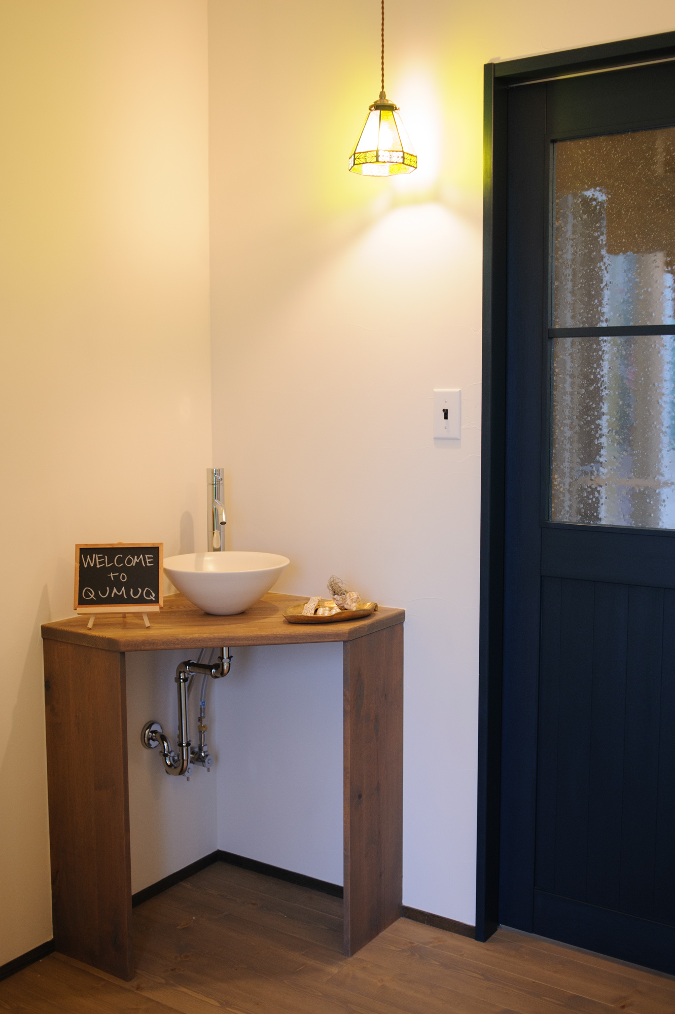 玄関ホール・手洗いコーナー