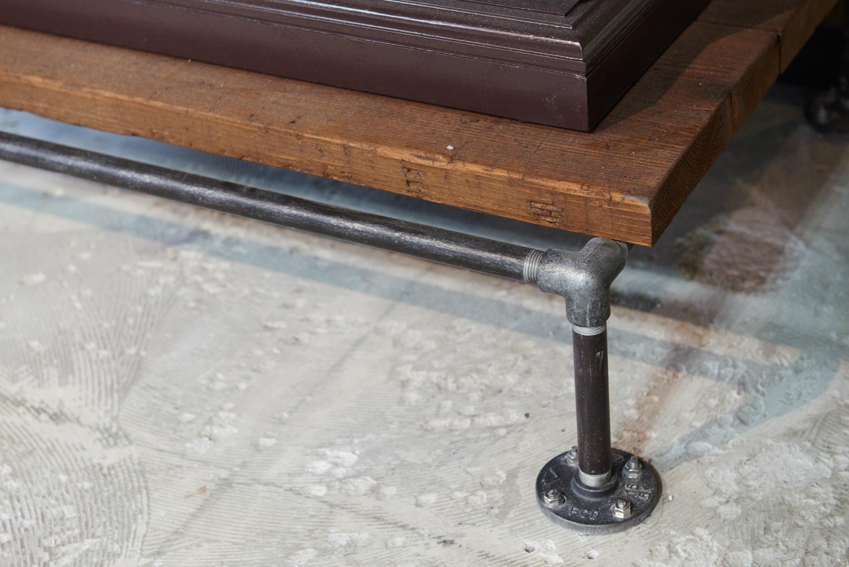 ガス管パイプ脚