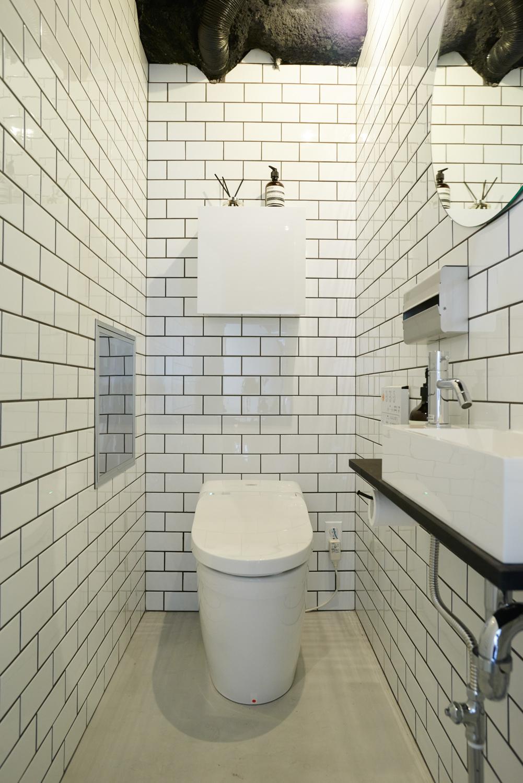 トイレ・サブウェイタイル